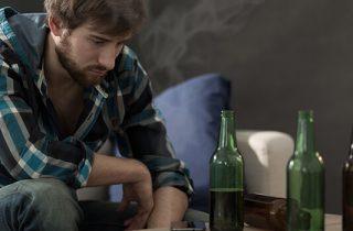 Oorzaken van alcoholisme: waarom is drinken een probleem voor sommigen en niet voor anderen?